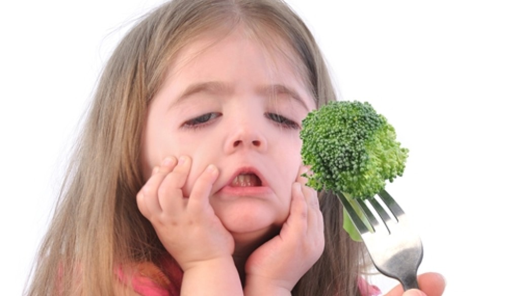 It is sometimes difficult to distinguish between picky eating and anorexia nervosa in young children.